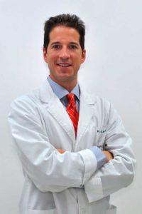Dr. Macía Colón, FFS expert surgeon